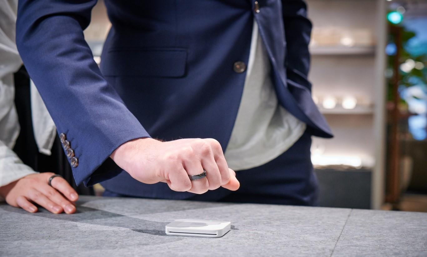 Thales se alía con EVERING para presentar un anillo NFC y con el realizar pagos sin contacto